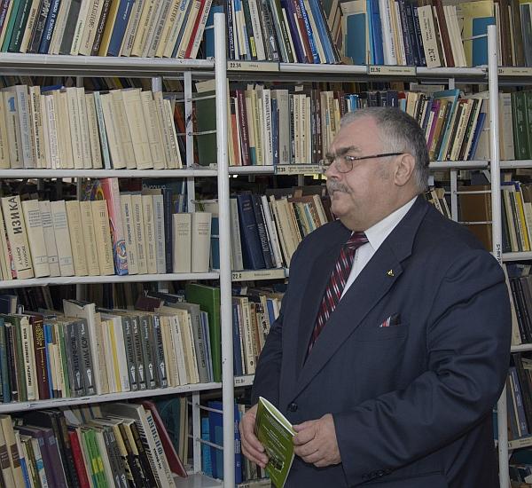 А. В. Холзаков представляет книгу «Асбест – город «Горного Льна»